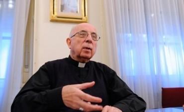 """Arzobispo Radrizzani: """"En el vértice de la pirámide están la ganancia y el dinero"""""""