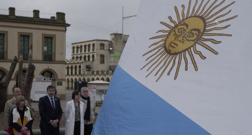 Jáuregui celebró la Independencia