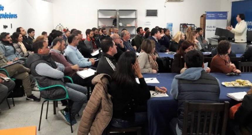 """Emprendedores participaron del taller """"Liderazgo y Negociación"""""""
