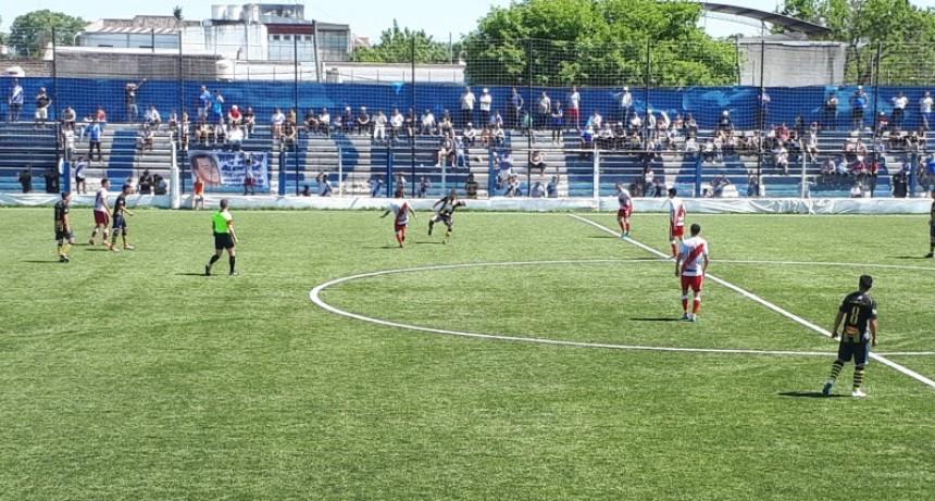 Luján perdió en Libertad y Campodónico se alejó del Club