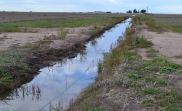 Los municipios podrán por ley cerrar canales clandestinos