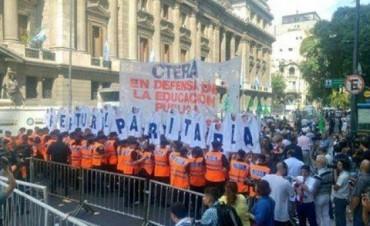 """Claudia Repetto: """"Estamos en la calle para que el gobierno cumpla con la ley"""""""