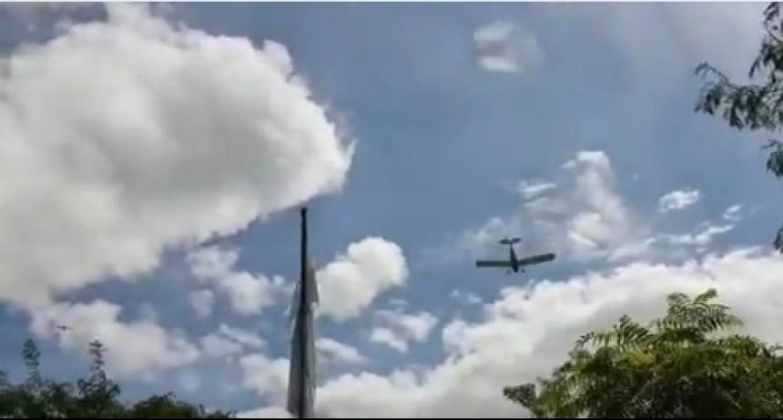 Avión fumigó sobre una escuela en Parada Robles