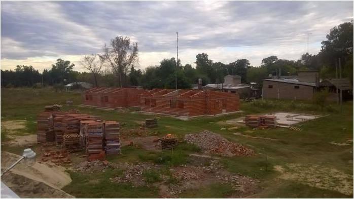 Trabajadores de la CTEP y MTE lograron la firma del convenio para la construcción de viviendas en Olivera