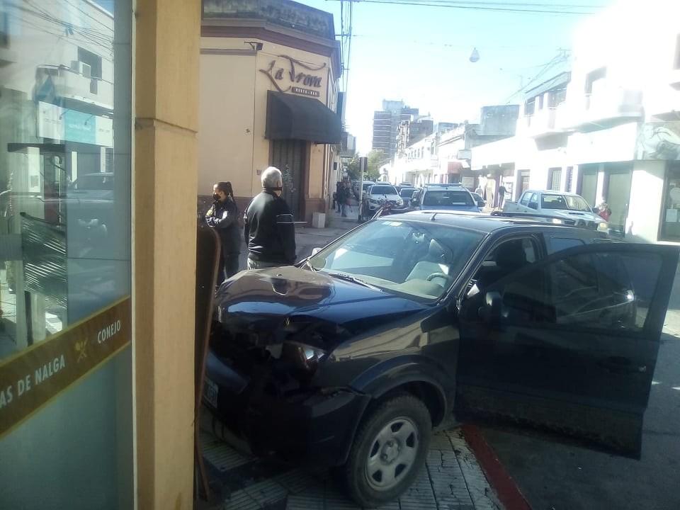 Choques, robos y detenciones
