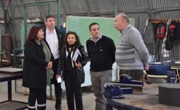 Desde Suteba le entregan un petitorio al Ministro de Educación en su visita a Luján