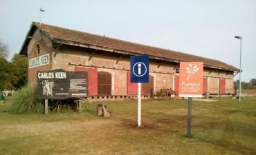 Colocaron nueva señalética para el turismo en Carlos Keen