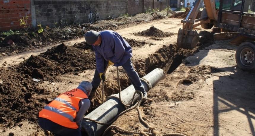 """""""Tenemos proyectadas 200 cuadras de asfalto y 200 de cordón cuneta"""""""