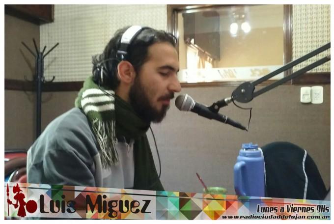Luis Miguez y una columna dedicada a padres y madres