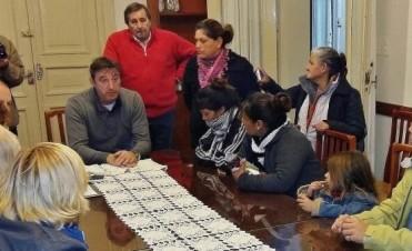 Vecinos marcharon en reclamo por las viviendas sociales y el intendente se comprometió a exigir respuestas en Provincia