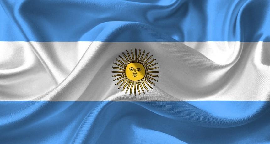 Celebran Día de la Bandera en Plaza Belgrano