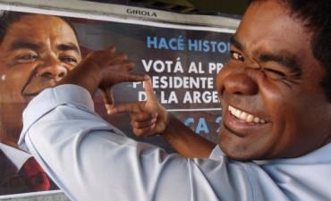 """Omar Obaca, el primer candidato negro a presidente se entrevisto en """"Ladran Sancho"""""""