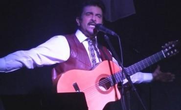 Caril Paura de gira folklórica por América