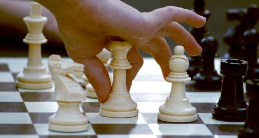 Comenzaron las clases gratuitas de ajedrez en Pueblo Nuevo