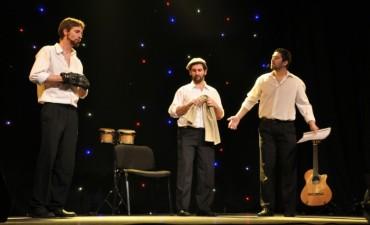 Tri Caniloni en el Teatro Municipal