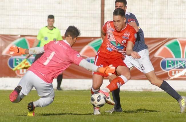 Luján no pudo con Sportivo Barracas