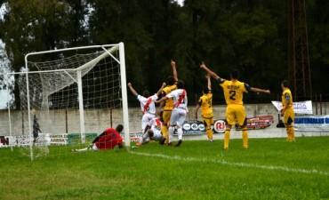 Con un insólito gol anulado, Luján cayó ante Dock Sud