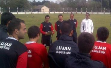 Javier Brayotta fue presentado como nuevo técnico