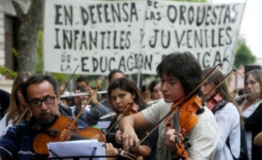 Con incertidumbre continua Coros y Orquestas del Bicentenario
