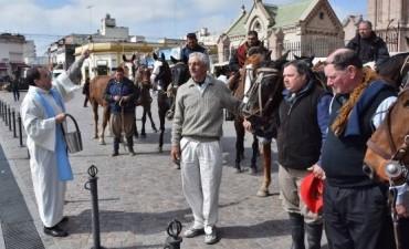 Llegan los primeros peregrinos a caballo