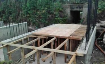 Avanza la reconstrucción del puente del barrio El Pinar