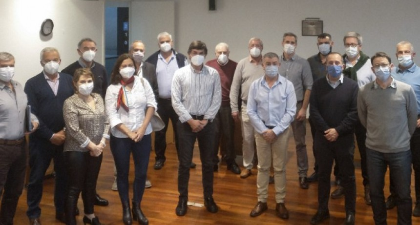 Preocupación de las entidades médicas por la relación con IOMA