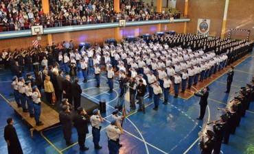 Entrega de diplomas a oficiales de la Policía local