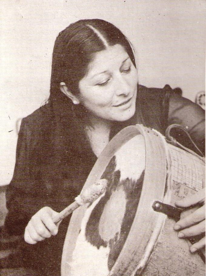 Un puñado de anécdotas folclóricas y un homenaje a Mercedes Sosa por Luis Miguez
