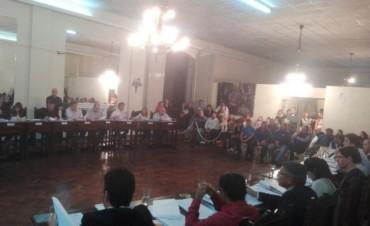 El concejo alzó las manos para darle facultades económicas a Luciani