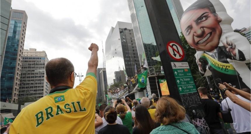 Vota Brasil: ultraderecha, encuestas y falsas noticias