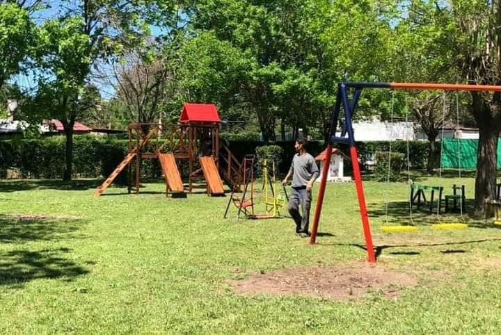Vecinos de Cortínez reinauguraron la plaza