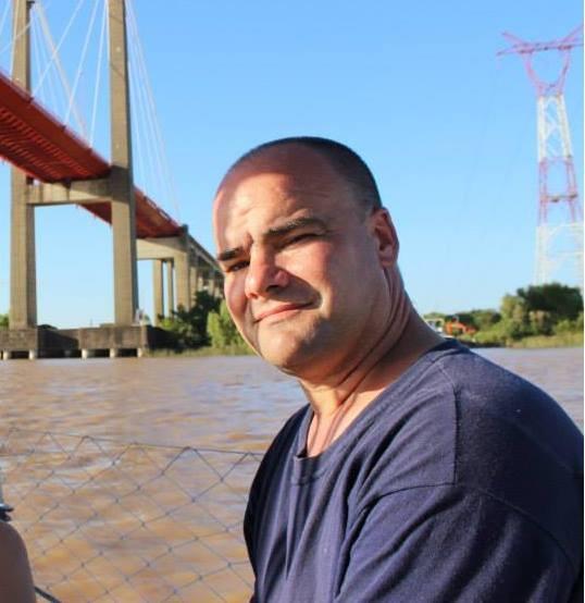 Buscan a un vecino de Luján en el río de La Plata
