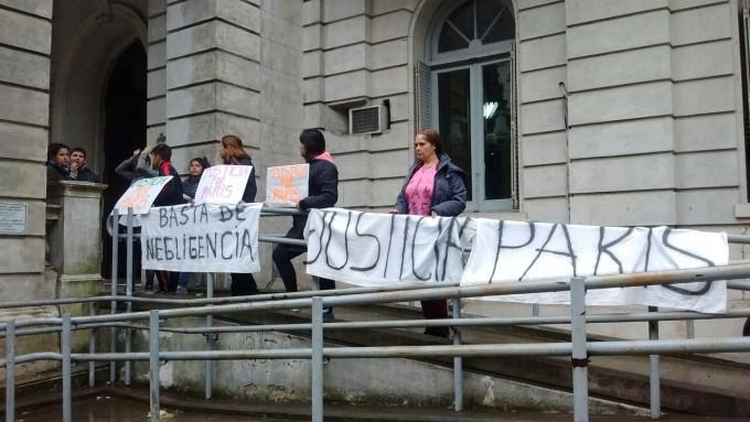 Familiares y víctimas de la gestión del Hospital llevaron su reclamo al municipio