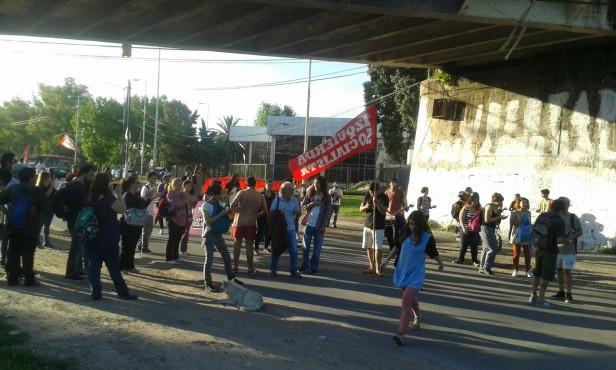 Estudiantes se manifestaron en contra de la reforma en la carrera de Historia