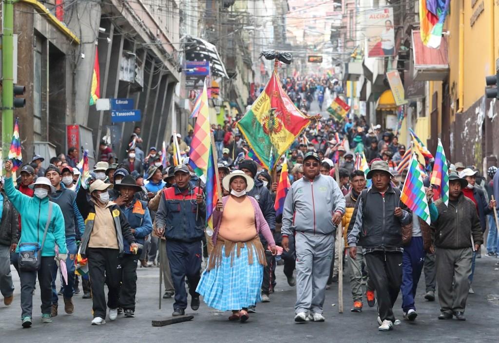 """""""Debemos ser solidarios con nuestros pueblos hermanos"""""""