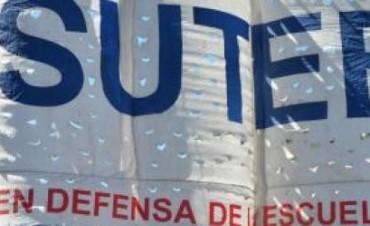 """""""Quieren dejar cesantes a miles de docentes en la Provincia"""""""